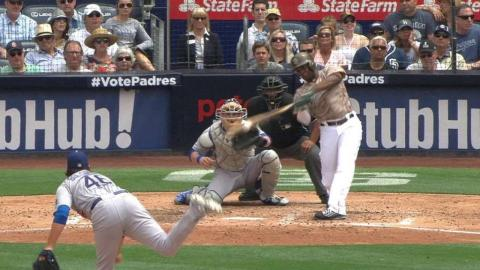 LAD@SD: Upton singles in a pair to break deadlock