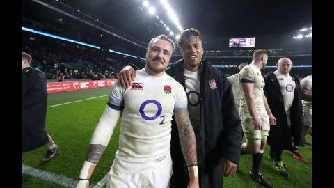 England celebrate at the final whistle! | NatWest 6 Nations