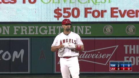 TOR@LAA: Pujols clears the bases on double down line