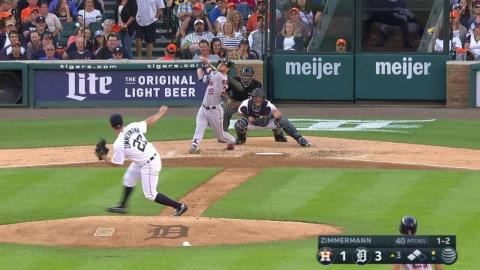 HOU@DET: Reddick cashes in his second sac fly