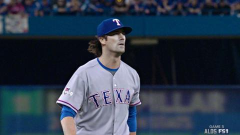 TEX@TOR Gm5: Hamels works out of trouble in the 2nd