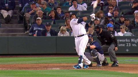 TB@SEA: Cruz drills a solo home run to left field