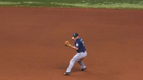 SEA@TB: Cishek retires Morrison, leaves bases loaded