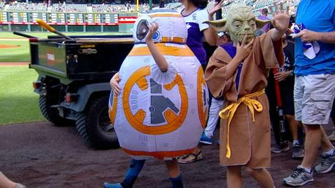 PIT@COL: Rockies hold Star Wars night at Coors Field