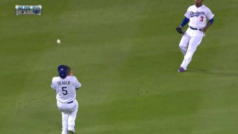 NYM@LAD Gm2: Seager makes nice over-the-shoulder grab