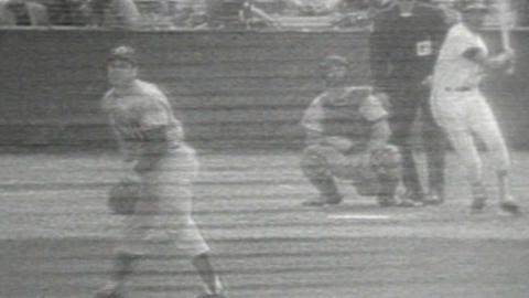 WS1970 Gm3: Frank Robinson hits solo homer in 3rd