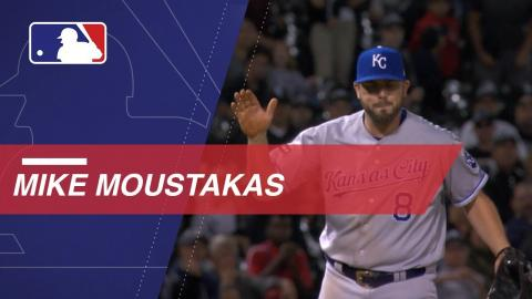 Moustakas earns AL Comeback Player of Year Award