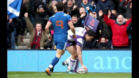 Sean Maitland scores in the corner after great hands! | NatWest 6 Nations