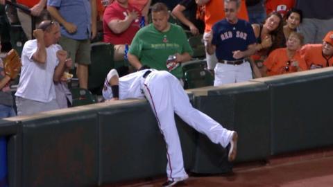 BOS@BAL: Machado makes a great running catch