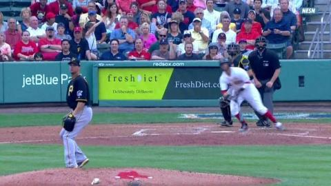 PIT@BOS: Pedroia extends the lead with an RBI single