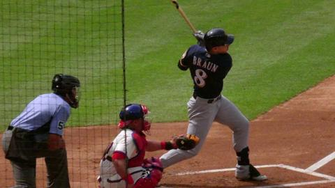 MIL@PHI: Braun gets his 1,499th career hit