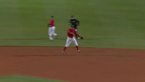 MIN@BOS: Bogaerts ranges to his left for the out