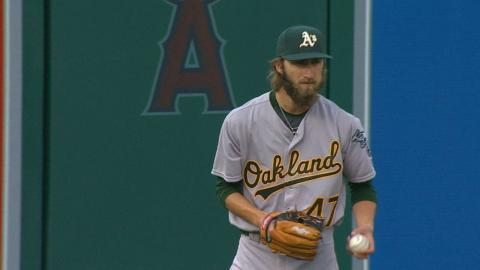 OAK@LAA: Overton earns first MLB win in debut
