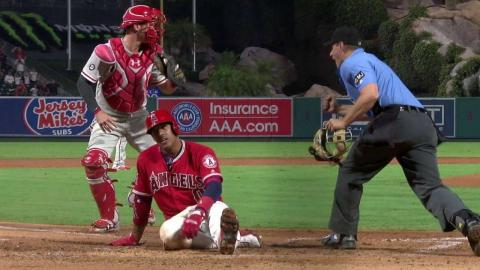 PHI@LAA: Call stands after Angels challenge