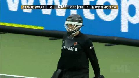 OZW 0-1 HAR Korper sends the keeper the wrong way to score from the spot #EHL #ozwvhar