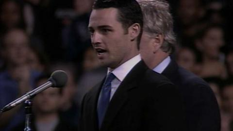 TB@NYY: von Essen sings the national anthem