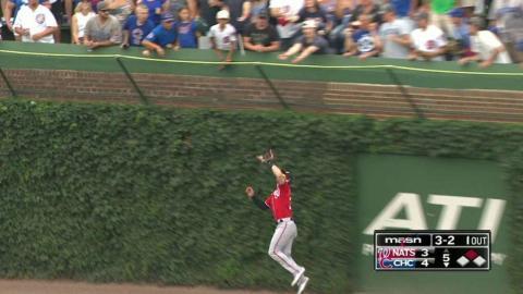 WSH@CHC: Harper makes a nice grab against the ivy