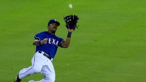 ARI@TEX: DeShields makes a nice sliding grab in 9th