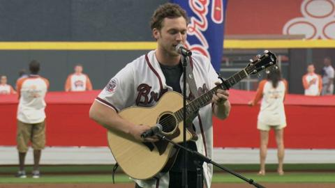 SD@ATL: Phillip Phillips performs national anthem