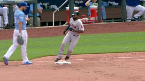 BOS@KC: Bradley Jr. extends hitting streak in the 9th