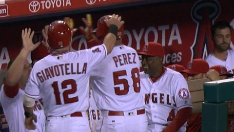 LAD@LAA: Angels score five runs in the 5th inning