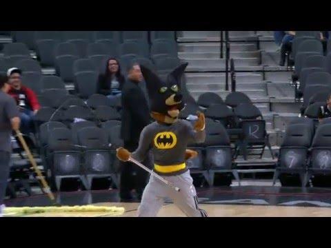 The Bat Returns to San Antonio!