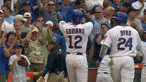 Alfonso Soriano blasts his 300th career homer