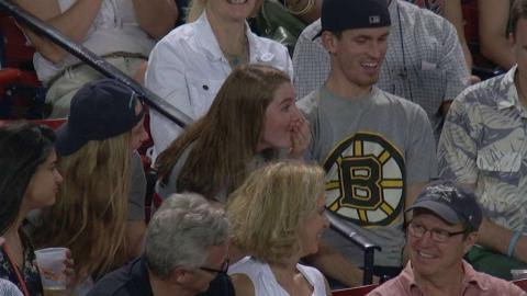 TOR@BOS: Fan gives foul ball away another fan