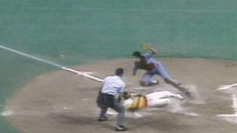 1980 NLCS Gm5: Trillo's relay throw gets out at home