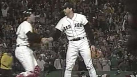1986 WS Gm5: Hurst gets final out of complete game