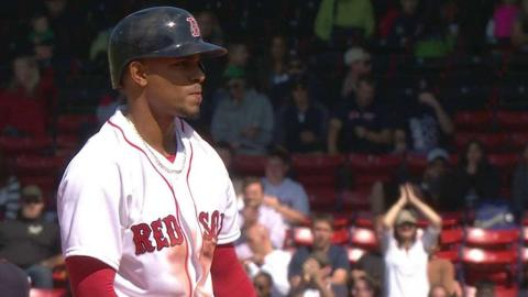 MIN@BOS: Bogaerts steals second base in the 7th
