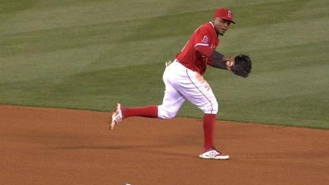 SD@LAA: Aybar makes impressive plays in 2nd, 4th