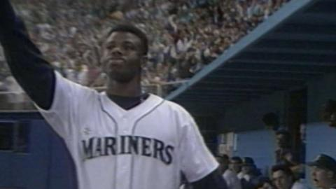 MIN@SEA: Griffey Jr. homers in eighth-straight game