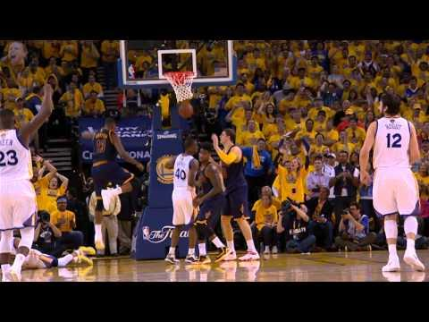 Stephen Curry Drives Past LeBron James for the Tough Score