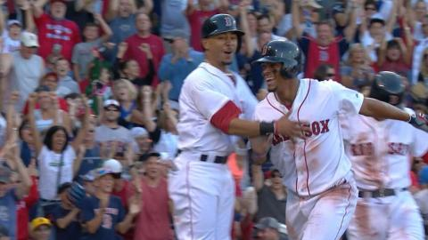 PHI@BOS: Red Sox break out the bats for eight-run 4th