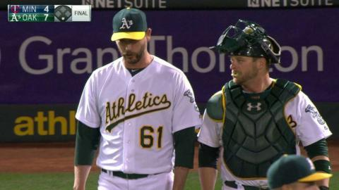 MIN@OAK: Axford induces a popup to earn the save