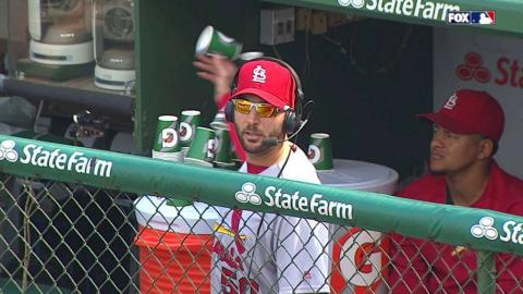 STL@CHC: Wainwright knocks over a tower of water cups