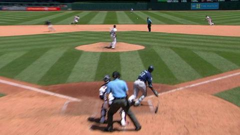 SEA@MIN: Cano grounds an RBI single up the middle