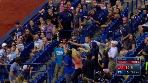 LAA@TB: Fan has foul ball taken right out of his hat