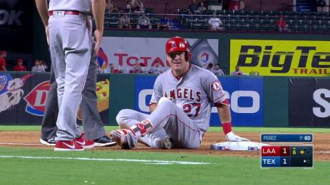 LAA@TEX: Trout puts Angels on the board with a triple