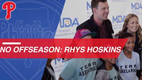 Phillies' Rhys Hoskins shows off his intense workout and the city of Philadelphia