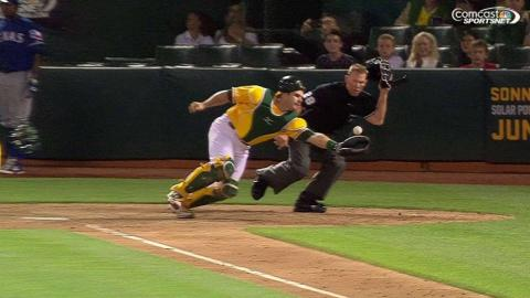 TEX@OAK: Phegley makes a great play on popped up bunt