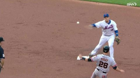 SF@NYM: Mets turn 4-6-3 double play in the 1st