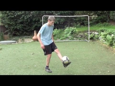 MY FIRST FOOTBALL VIDEOS!! (500k Subscribers)