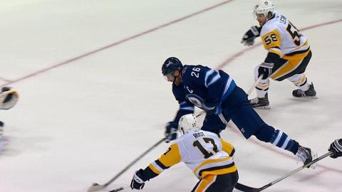 Blake Wheeler records a hat trick in the 1st period