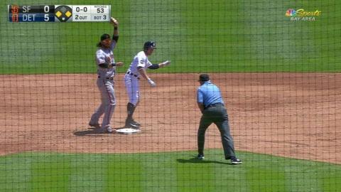 SF@DET: Hwang throws out Presley at second base