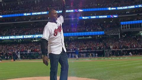 WS2016 Gm1: Kenny Lofton throws out first pitch