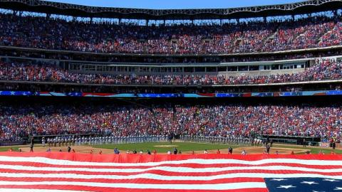 SEA@TEX: Neal McCoy sings 'Star-Spangled Banner'