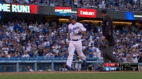 ARI@LAD: Barnes hits a solo home run to left