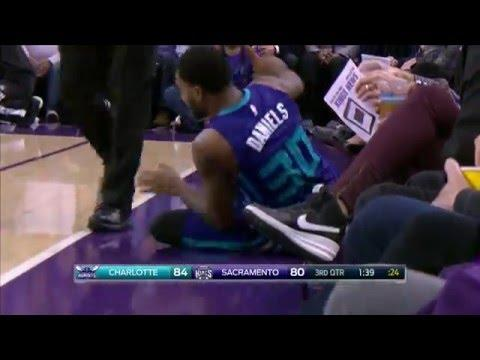 Troy Daniels Nails 8 Three's, Including the Game Winner